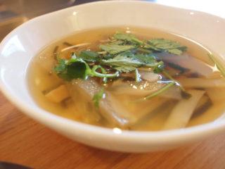 大根と干し貝柱のスープ